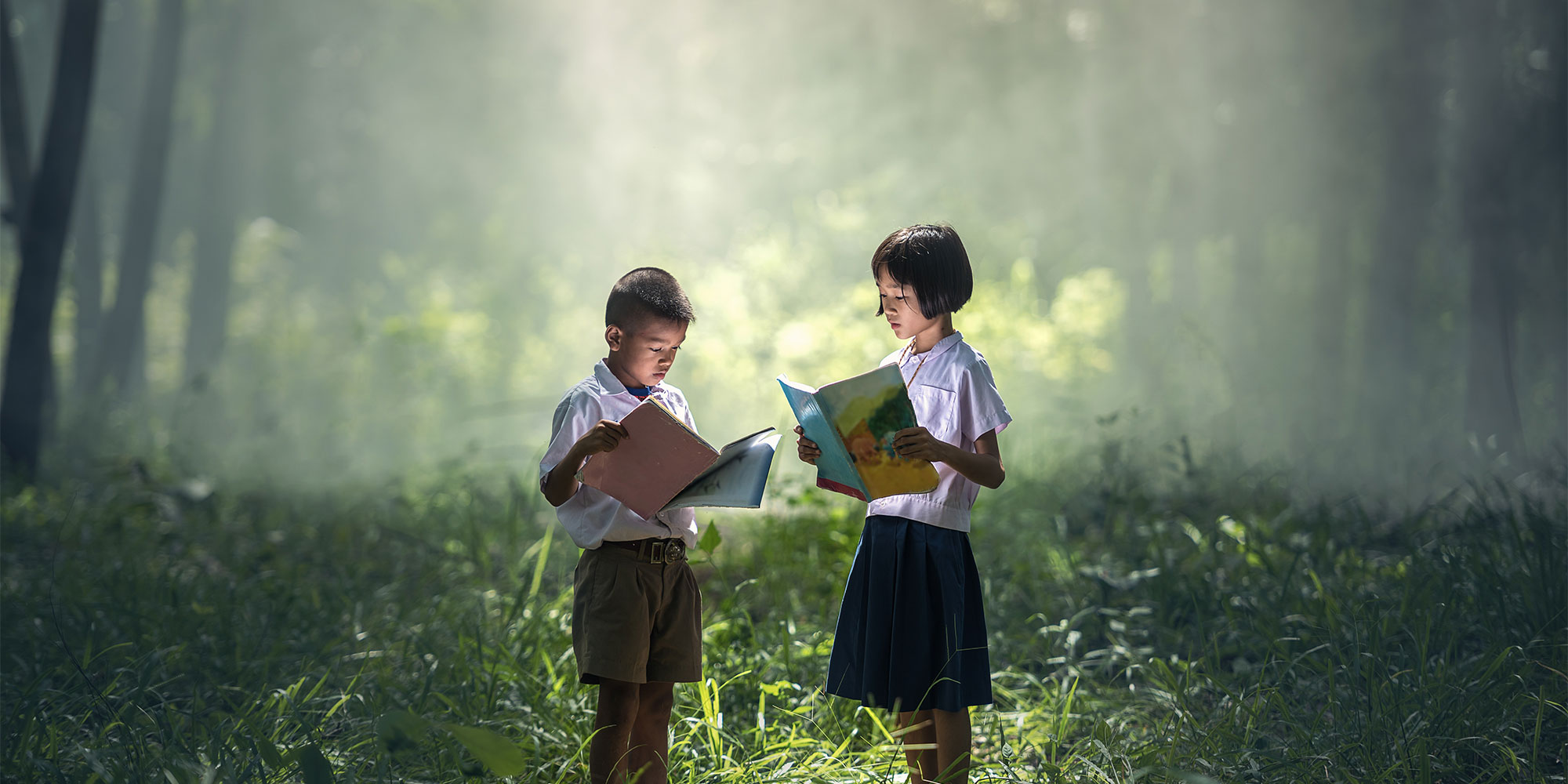 Children reading. Image via pixabay