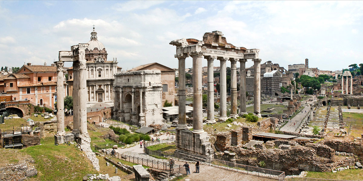 The ruins of the ancient Roman forum. Photo by Jean-Pierre Dalbéra via Wikimedia Commons.