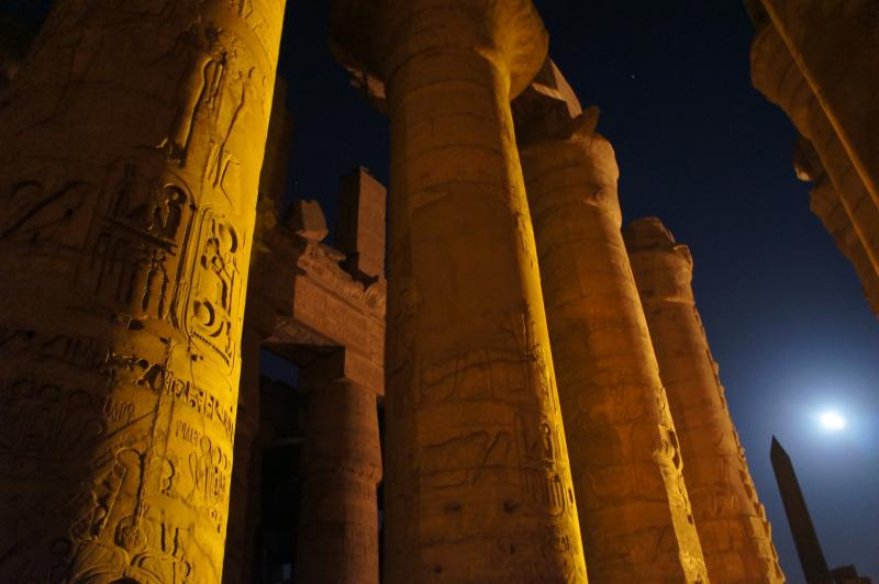 Photo of the temple at Karnak via Pixabay.